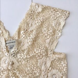 Like new classy BR lace top